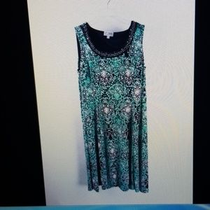 JM Coll Dress MGreen Blk Wh print A line Dress